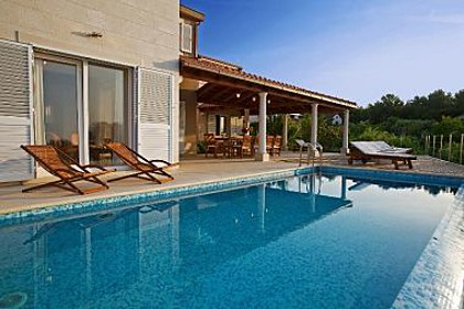 Holiday home H(12+1) Mirca - Island Brac  - Croatia