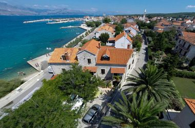 Apartments Mar A1(2+2), A2(2+2), A3(2+2), R1 Tamaris (2) Supetar - Island Brac