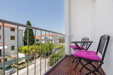 Apartments Neven A1(4+2) Split - Riviera Split