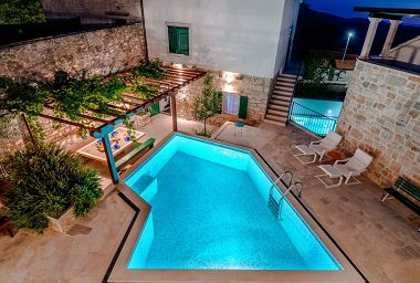 Holiday home Vjerocka - with pool : H(5+3) Donji Humac - Island Brac  - Croatia