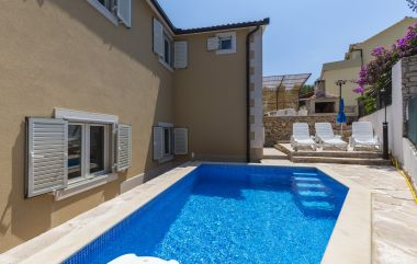 Apartments Dalis - open swimming pool: A1 kat(4+2), A2 prizemlje(4+2) Cove Osibova (Milna) - Island Brac  - Croatia
