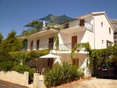 Apartments Josip - 100 m from beach: A1(2+2), A2(2+2), A3(4+2), A4(4), A5(2+2), A6(4+2) Ivan Dolac - Island Hvar