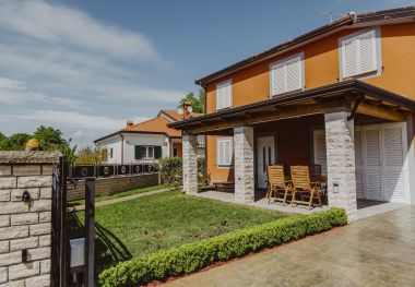 Apartments Mile - modernly equipped: A1(3) Umag - Istria