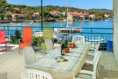 Holiday home Linda2 - 20m from the sea H(6+1)  Lumbarda - Island Korcula  - Croatia