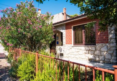 Holiday home Aki H(4) Vrbnik - Island Krk  - Croatia