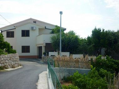 Apartments Tomi A1(5) Zubovici - Island Pag