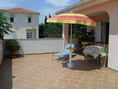 Apartments NT A1(4) Barbat - Island Rab
