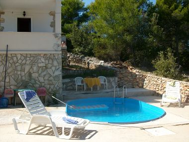 Holiday home Ina - peaceful H Pierida (8+4) Stomorska - Island Solta  - Croatia