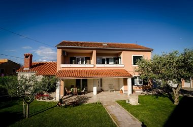 Holiday home Old Town - great location: H(6+3) Nin - Zadar riviera  - Croatia